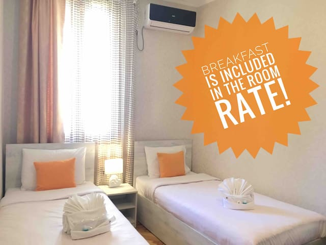 Guesthouse with yard🏡,Free parking🚘,Great location