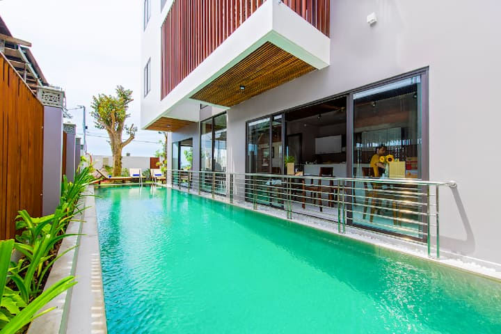 Sun Paradise Beach Villa- 3BRs with swimming Pool
