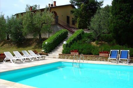 La Maesta, sleeps 12 guests in Santa Barbara - Monte San Savino - Villa