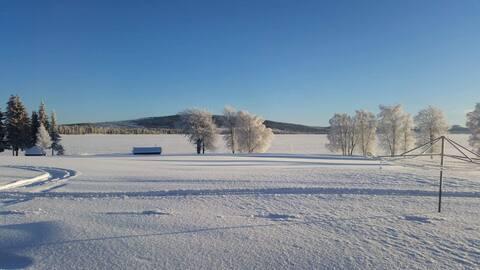 Swedish lapland house close to the lake