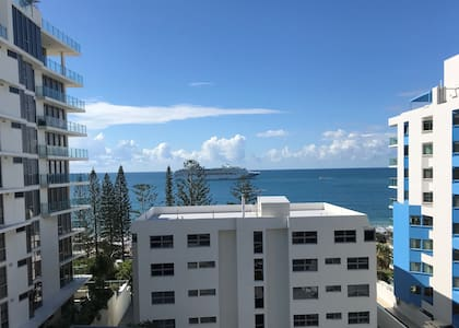 Azure View at Mooloolaba beach! With Self Check In