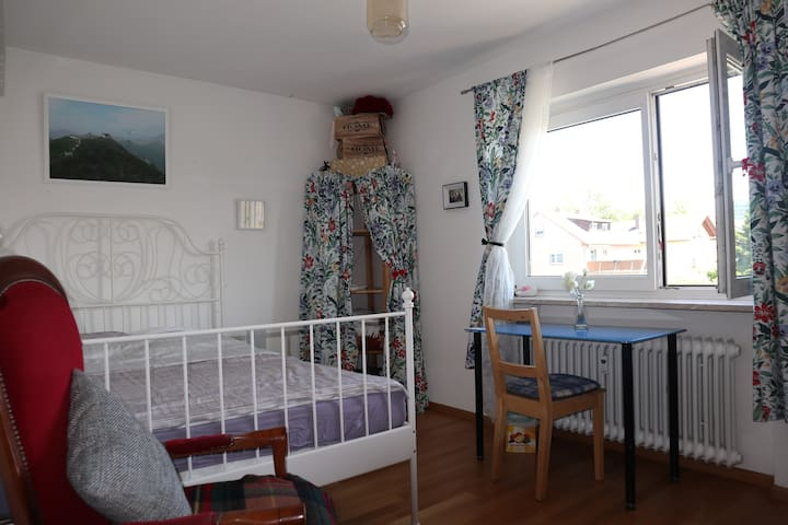Sunlit room in quiet neighbourhood