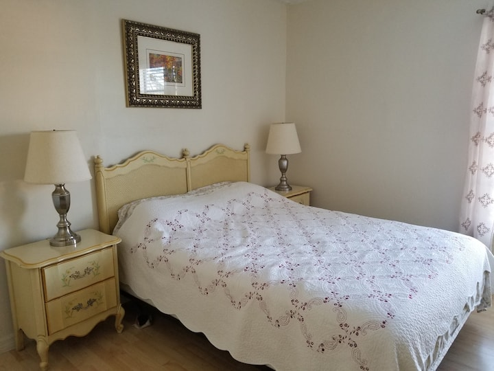 Private Room and  Shared Bath in Cape Coral
