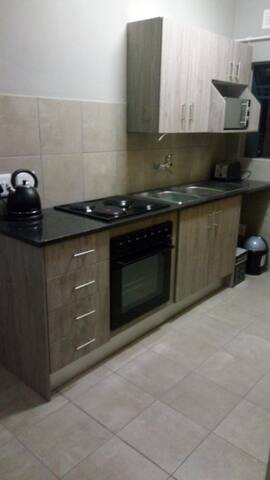 Elegant & Neat 2 Bedroom Flat in Centurion West