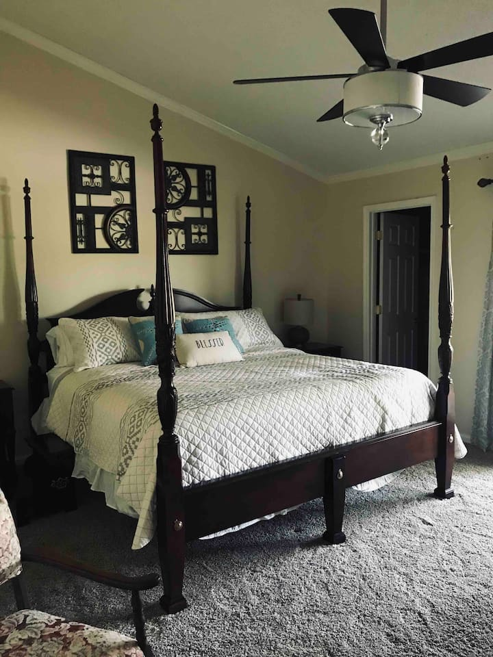Master suite on the New River with a private porch