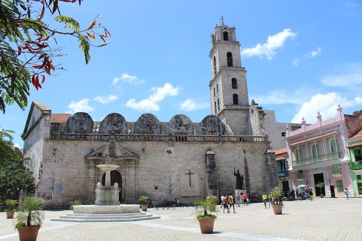 Guidebook for Old Havana/La Habana Vieja