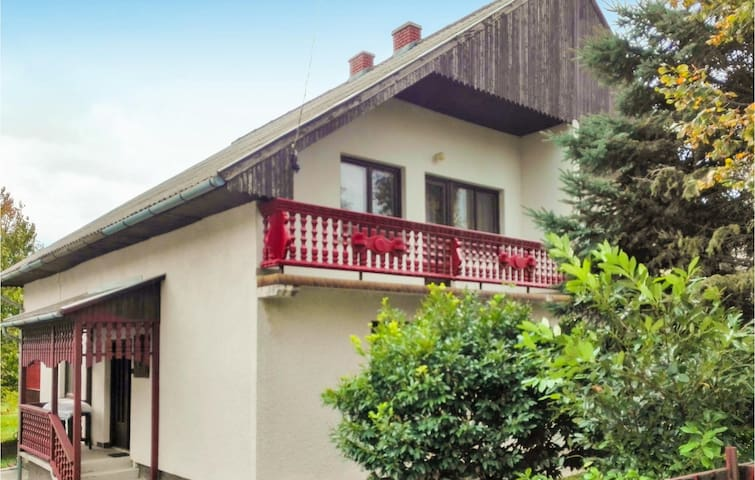 Holiday apartment with 2 bedrooms on 55m² in Balatongyörök