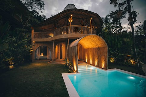 Arch - Bamboo Villa i Eco Six Bali Resort