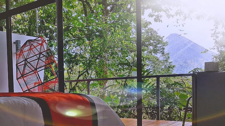 STUNNING VIEWS OF ARENAL @ HULE TREE VILLA