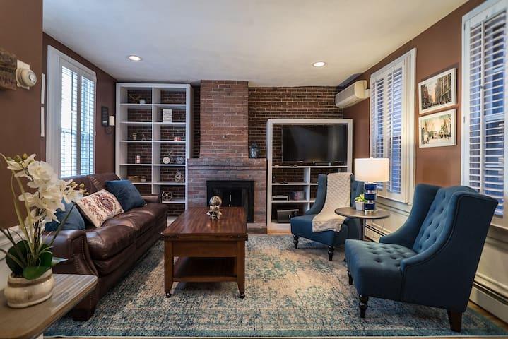 2brm/1.5bath single family home in downtown Boston