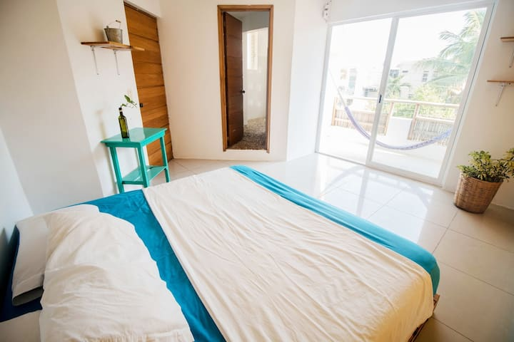 King Size, private bathroom, Balcony and Pool #22 - Puerto Escondido