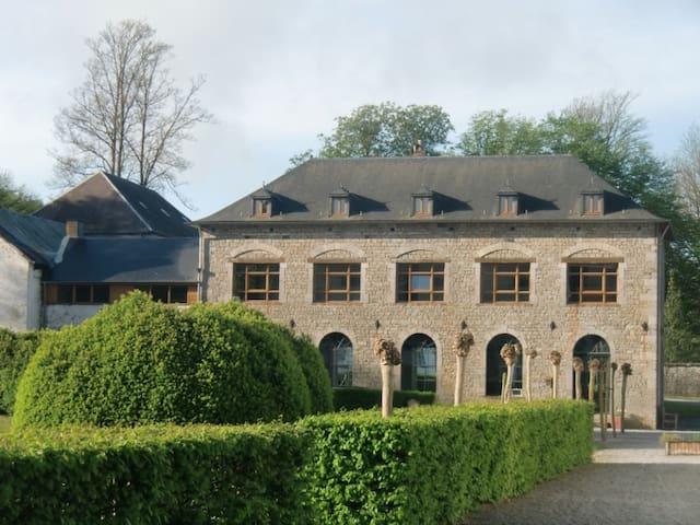 Monastère-les Capuccins - Couvin - Arazi Evi