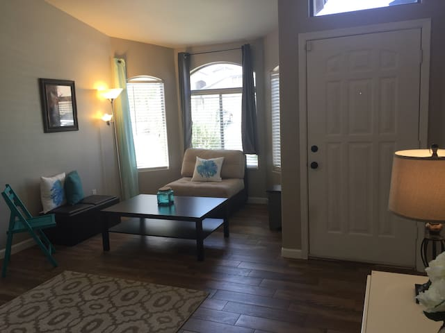 Two private rooms in our house - Litchfield Park