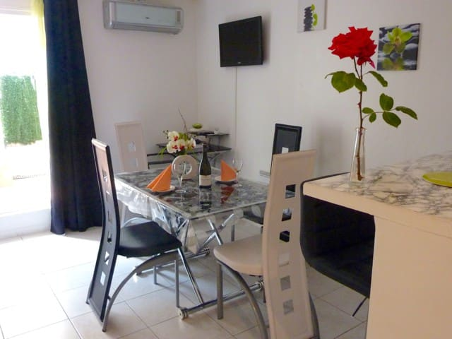 Nice Studio 50m to the beach - Nizza - Appartamento