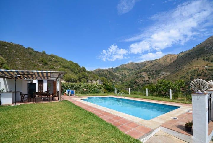 Cortijo Mari Carmen: Large Private Pool, Sea Views, A/C, WiFi