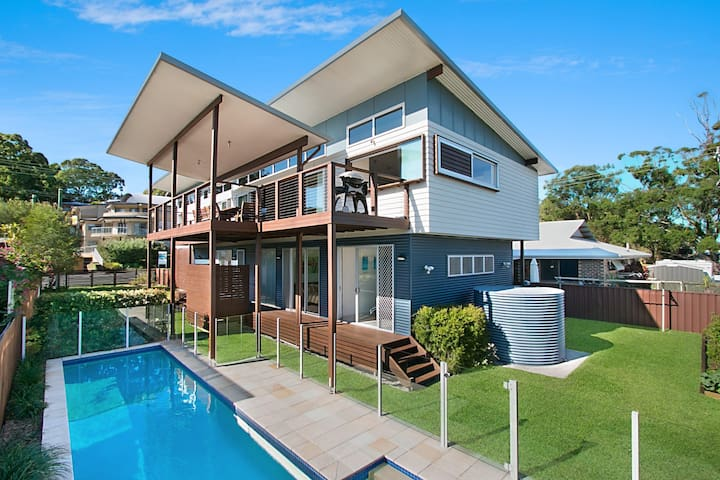 Cirrus At Kirra - Family Friendly Beach House