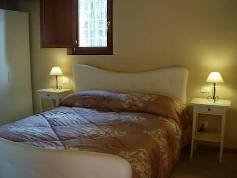 Villa Cittadella - Double Room near city centre!
