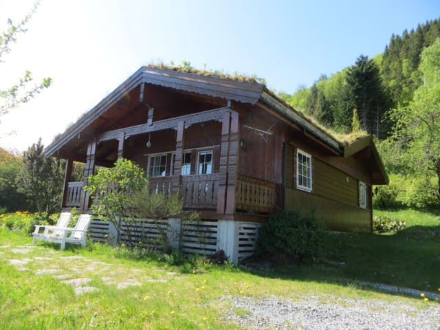 Cosy chalet, 100m2  with fjordview