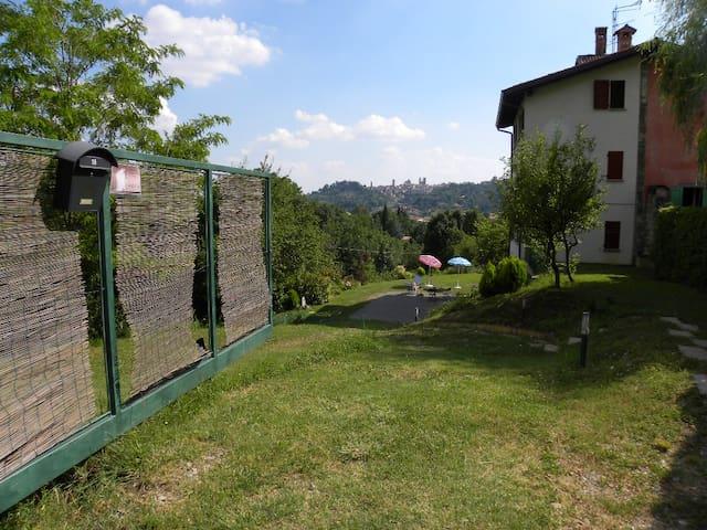 AMINTA nella natura 1^ piano - Bergamo - Casa
