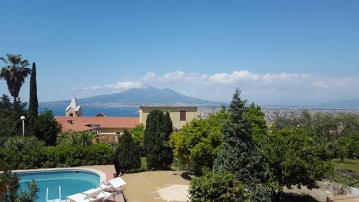 Twin room with seaview terrace, pool and garden !