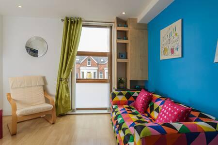 2 BR apartment close to city centre