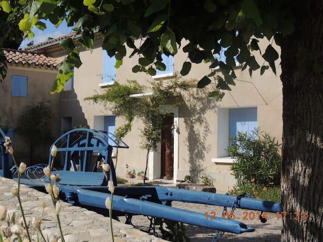 jolie maison  provençale - Roaix - 獨棟