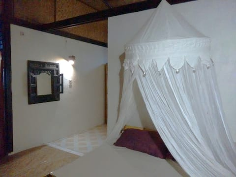 Oceanview Room - Pantai Paris Homestay - Maumere