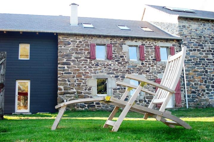 La Grange de l'Ardeyrol - Saint-Clément - Bed & Breakfast
