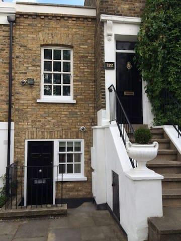 1 Bed Victorian House De Beauvoir - London - House