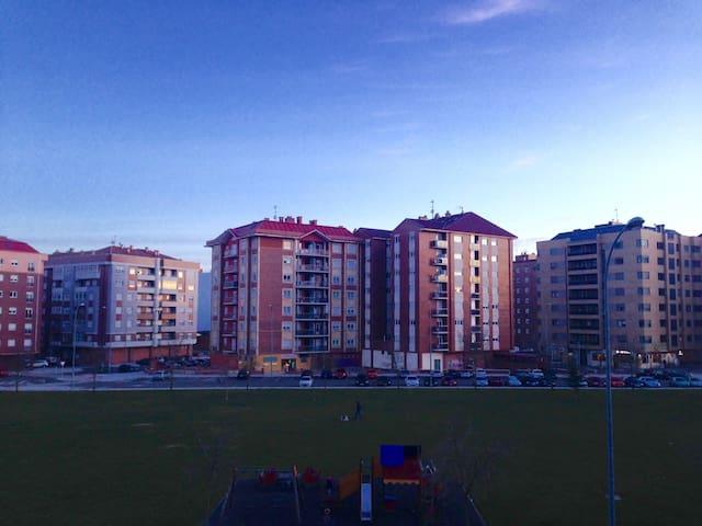 Habitación a 7 min Catedral León y 5 Universidad - León - Huoneisto