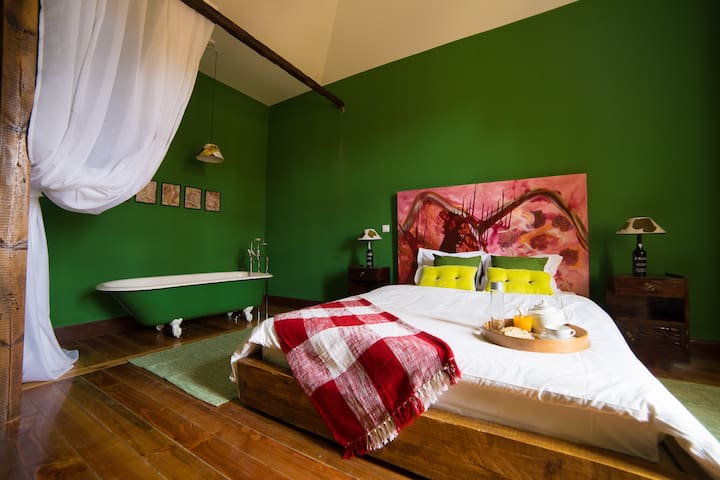 Santa Maria Hostel - Suite Vinho - Funchal - Bed & Breakfast