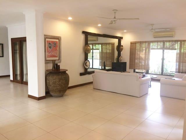 Tropical villa beside Cebu Country Club Golf