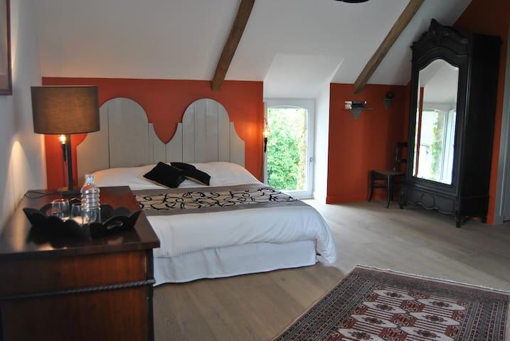 B and B - KER LIVIOU Chambre Granit - Lancieux - ที่พักพร้อมอาหารเช้า