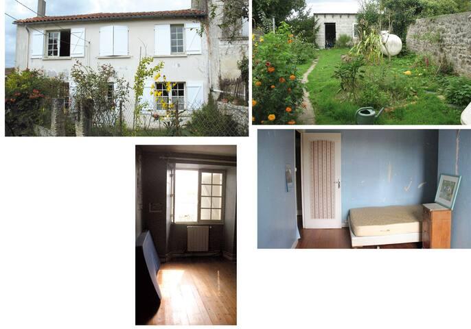 Ancienne maison dans charmante vill - Saint-Savinien - Talo