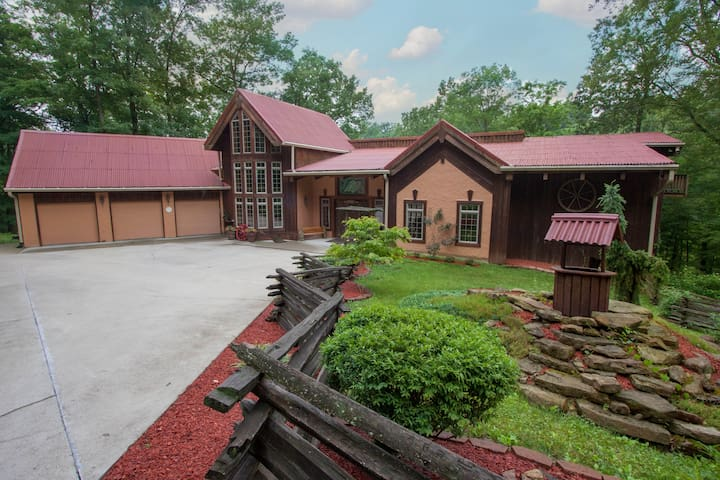Indiana Wooded Paradise Retreat - Paragon - Cabin