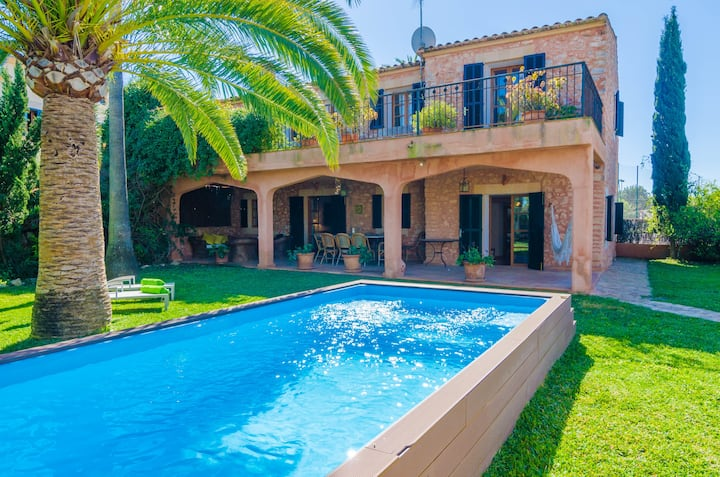 GRAN LLOMBARDS - Villa with private pool in Es Llombards (Santanyí). Free WiFi