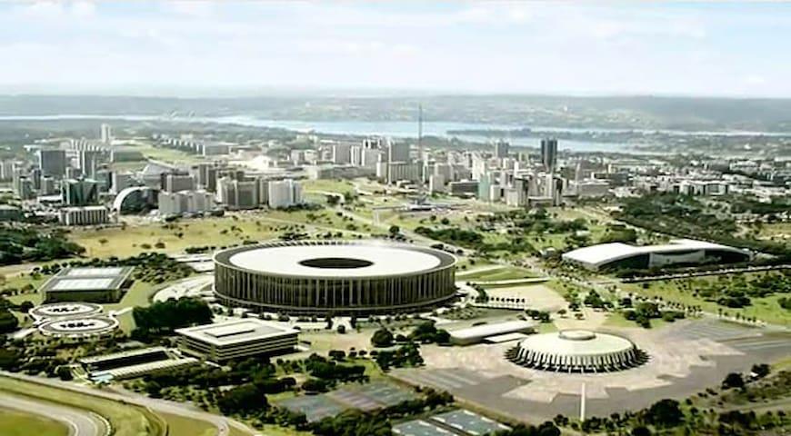 Suíte com garagem no Centro de Brasília