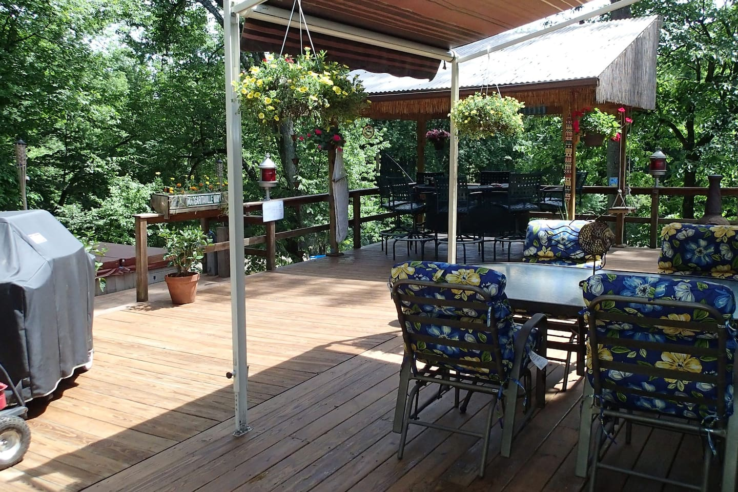 house w outdoor hottub and tikibar houses for rent in rosendale