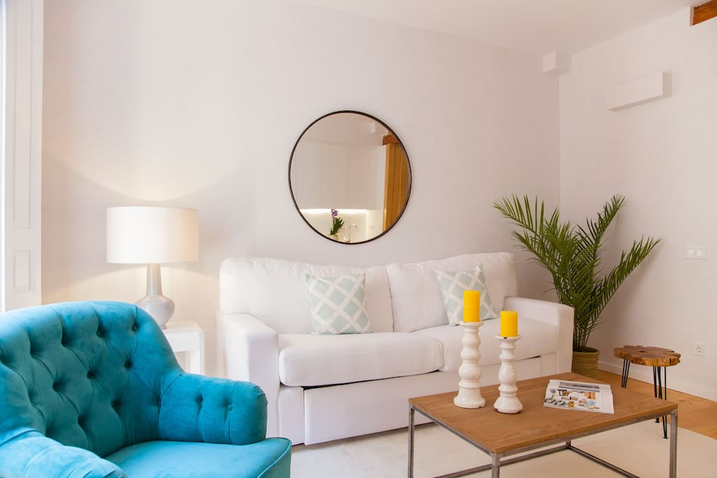 En el salón encontraréis un sofá cama.