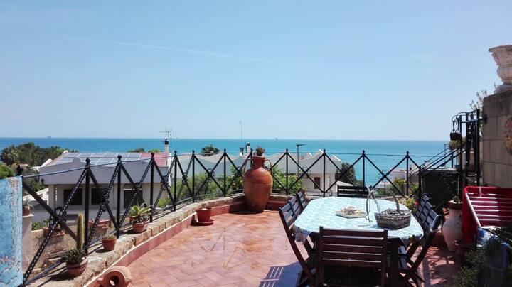 Estudio en Crotone, con terraza y WiFi - a 500 m de la playa