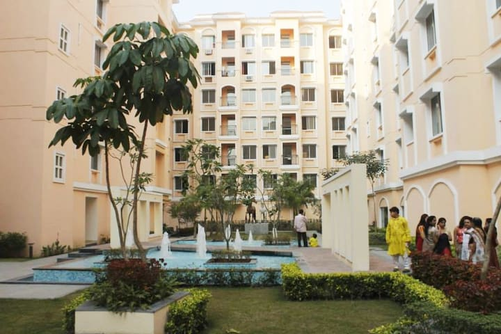 Entire Apartment/4 BR @ Rajarhat New Town Kolkata. - Kolkata - Apartemen