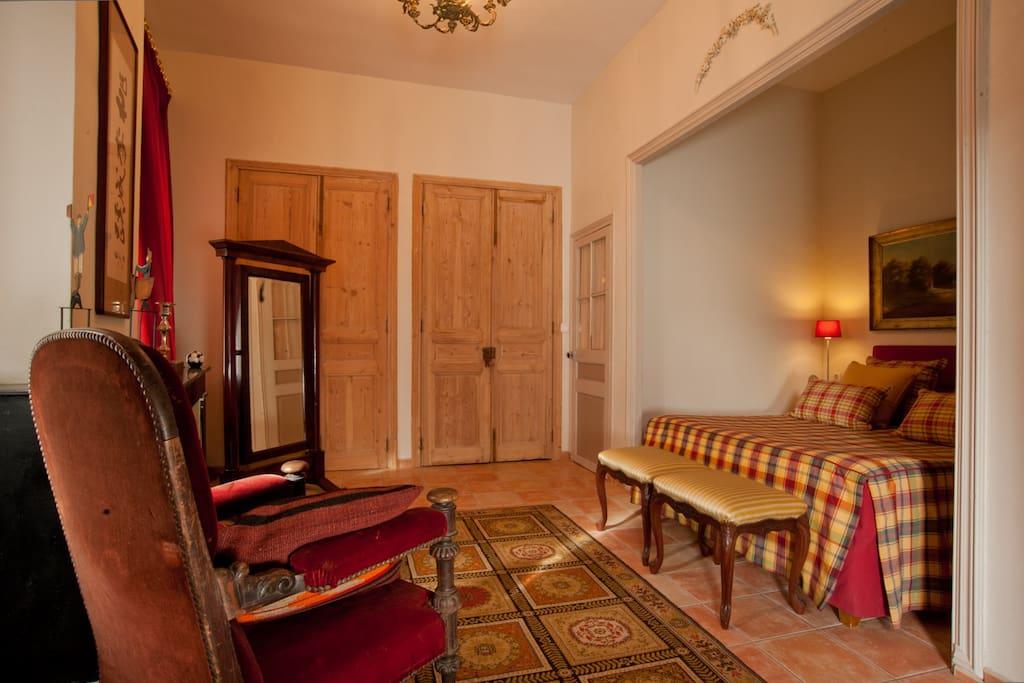 Les buis b b d 39 exception chambres d 39 h tes louer ille - Hotel avec jacuzzi dans la chambre pyrenees orientales ...
