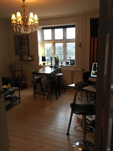 Very Charming apartment w balcony in Vesterbro.
