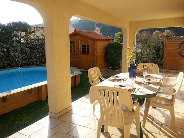 Appartement villa avec piscine - Drap - บ้าน