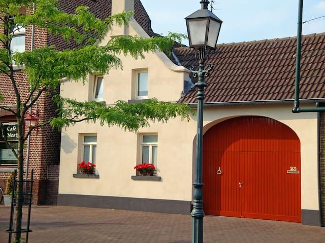 B&B in nostalgische Boerderijwoning - Nieuwstadt