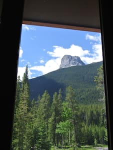 Beautiful Private Suite - Canmore