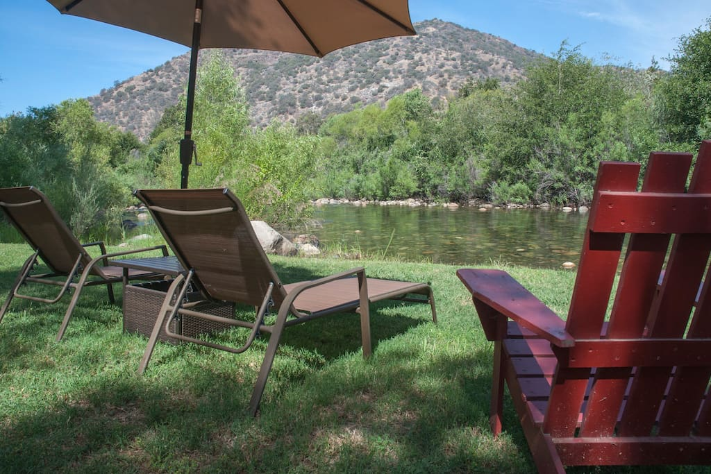 Romantic rustic riverfront cabin cabins for rent in for Log cabin sequoia national park