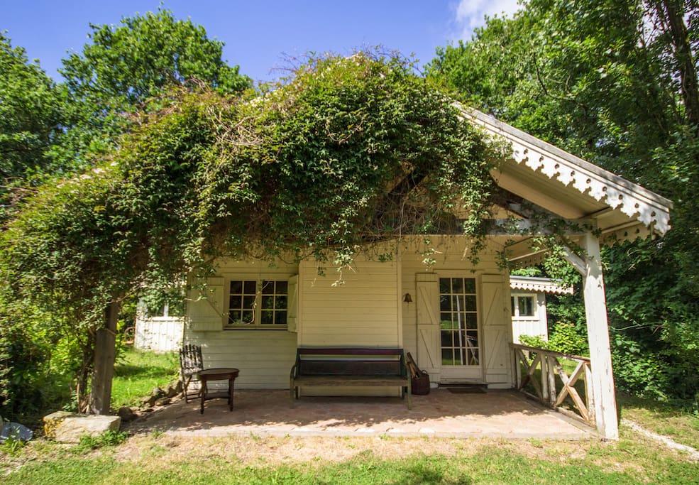 maison de charme en pleine nature maisons louer combourg bretagne france. Black Bedroom Furniture Sets. Home Design Ideas