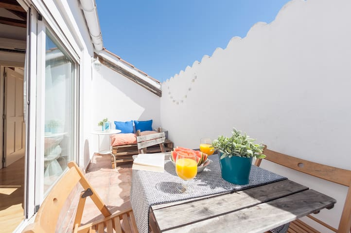 TERRACE SOL & NATURAL WOOD PENTHOUSE (WIFI&A/C)