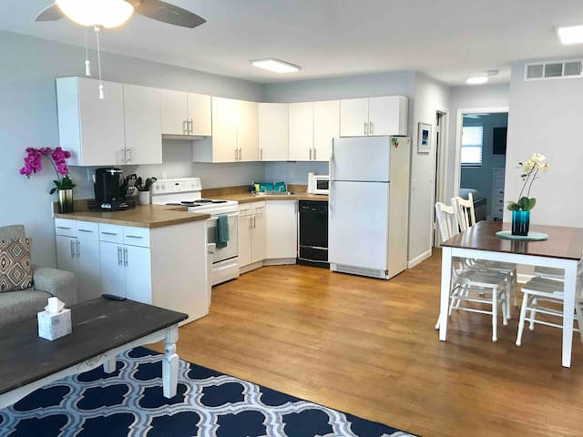 Sailfish Suites 2 - pet friendly & waterfront!!!